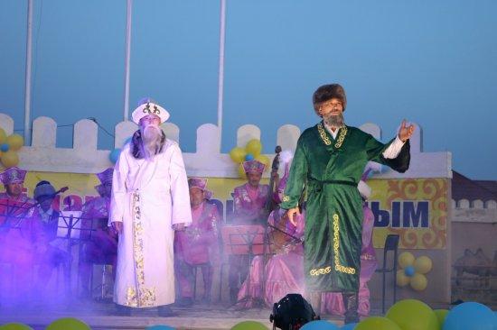 Мойынқұм ауданы өнерпаздарының концерті өтті