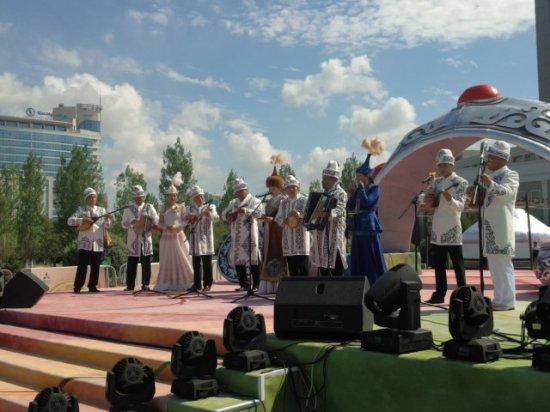 Байзақтықтар  Астана төрінде