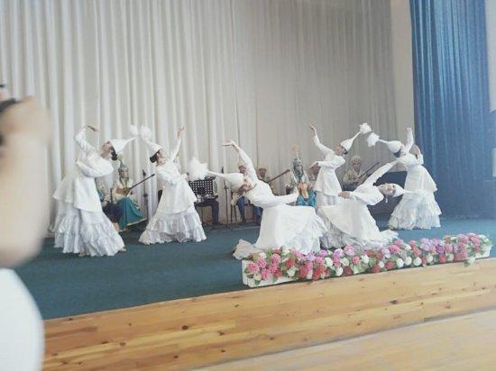 Жамбылдық өнерпаздар Фарыш ауданында да өнер көрсетті